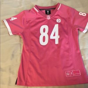 Pink nfl tee. Only been worn a few times